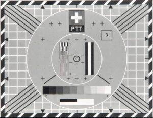 La mire de SF introduite en 1958. Le champ avec le numéro 3 indique la provenance (station de diffusion, studio, véhicule de reportage) sous forme codée par un chiffre ou une lettre.