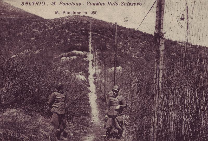 La clôture marquant la frontière dans la région de Poncione d'Arzo.