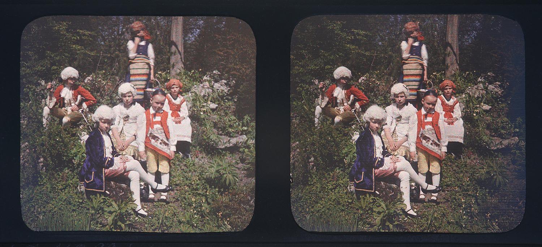 Hans Sallenbach, Kindergruppe am Sechseläuten vom 19.4.1914, Stereofarbdiapositiv