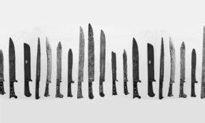 Kurze einschneidige Griffwaffen zwischen Messer und Degen, sogenannte Bauernwehre, die von den Bauern im Bauernkrieg 1653 eingesetzt wurden.