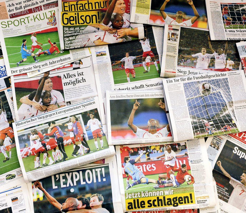 Pressespiegel der Schweizer Zeitungen am Donnerstag , 17. Juni 2010 nach dem historischen Sieg der Schweiz gegen Spanien an der Fussball WM 2010.