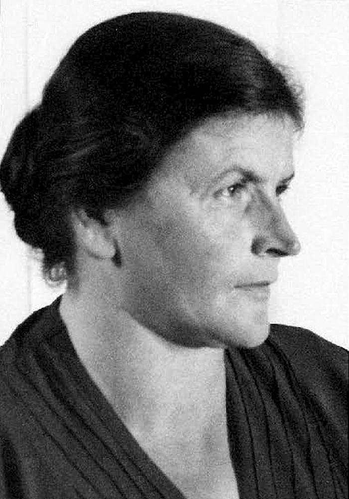 Karolina-Bertha (Lina) Junker, cuisinière au château, vers 1930.