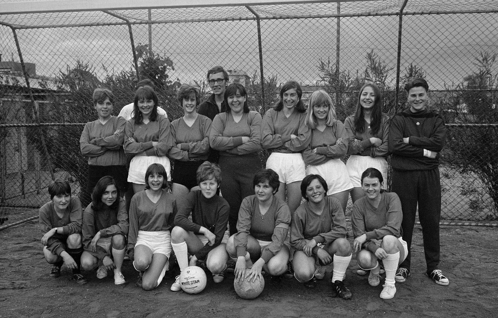 Première photo de groupe du DFC Zurich en mars 1968.