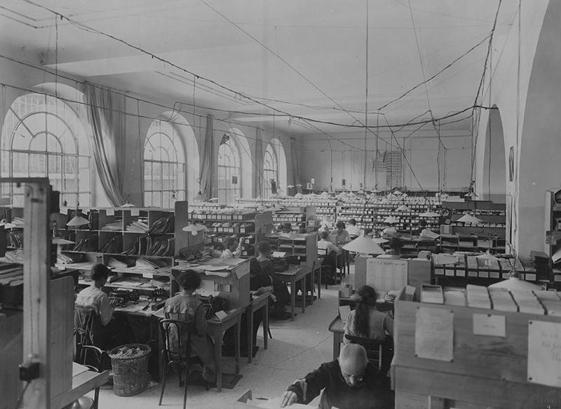 Bureau de l'Agence internationale des prisonniers de guerre à Genève.