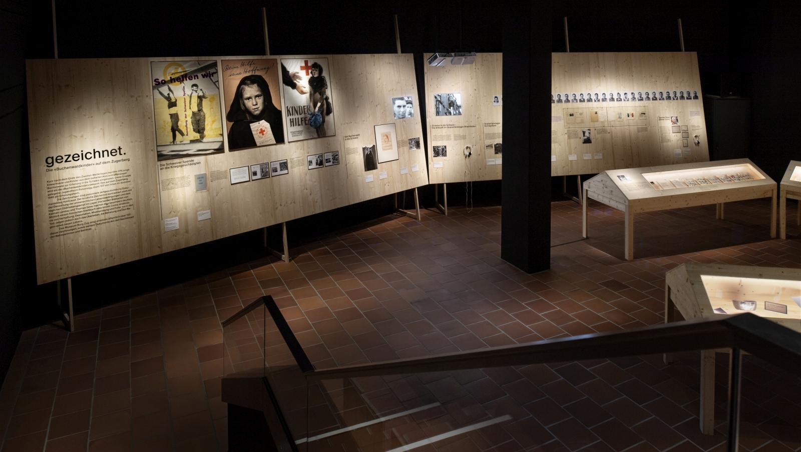 Blick in die Ausstellung im Museum Burg Zug