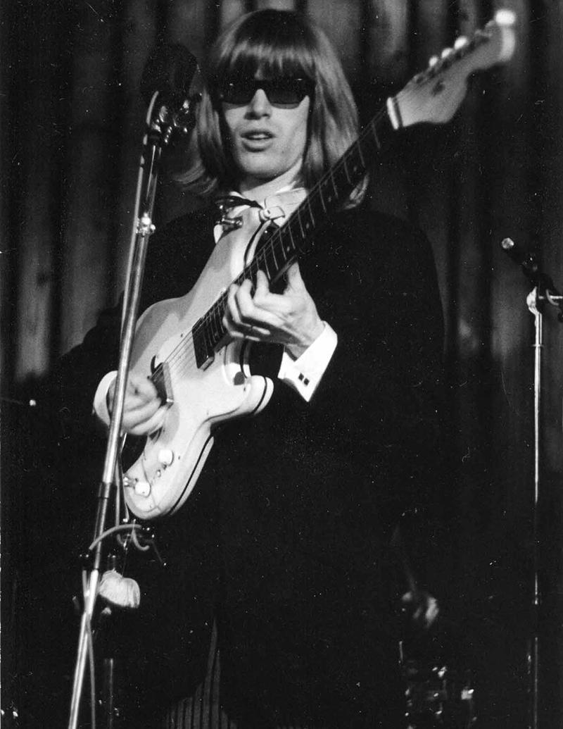 Toni Vescoli in a Les Sauterelles concert at Café Pony, circa 1966.