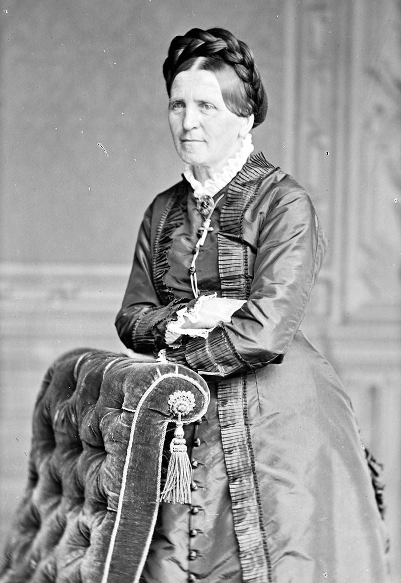 Portrait of Johanna Spyri. The photograph was taken in a studio, around 1870.