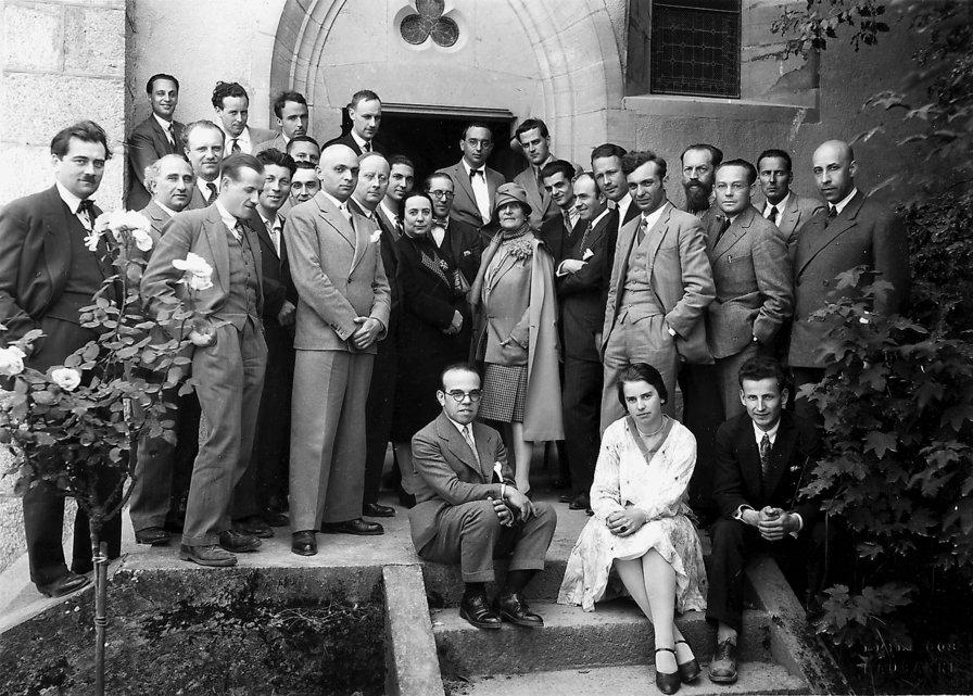 Madame de Mandrot (centre) during an architectural convention at La Sarraz Castle, 1928.