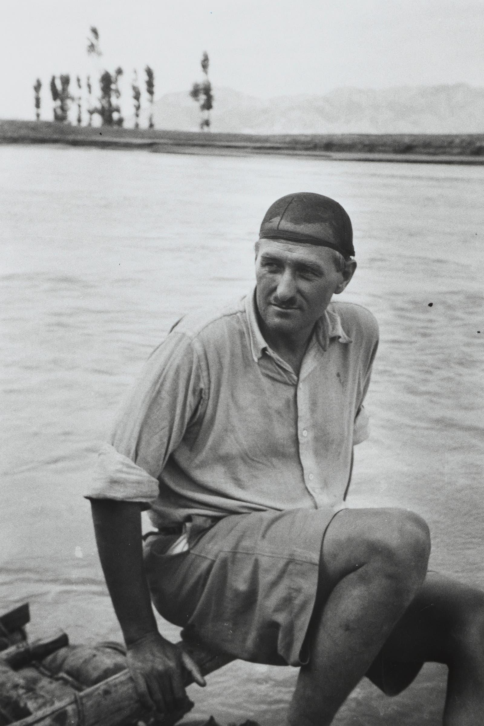 Walter Bosshard 1933 bei einer Flossfahrt in China. Fotostiftung Schweiz