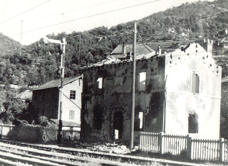 Cette petite gare, située à Varzo, abritait une partie des explosifs qui furent détruits en avril 1945.