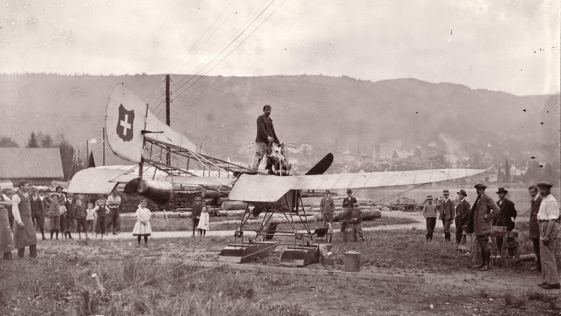 Seaplane on the Schützenmatt in Zug.