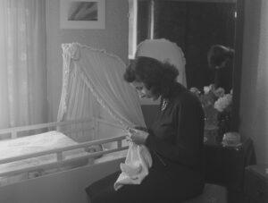 Le suffrage féminin était une menace pour la féminité, mettait en péril les devoirs maternels et entraînait les femmes dans la «politique sale» contre leur gré, ont affirmé les opposantes lors de la campagne référendaire.