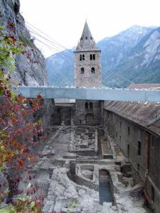 Archäologische Überreste im Kloster St. Maurice.
