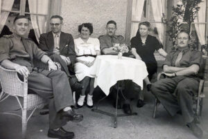 Contacts between the interned soldiers and the local population were not allowed, but that didn't stop people from socialising, as this photo with British soldiers from Bauma shows.