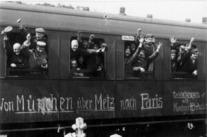 German soldiers leaving for the front, August 1914.