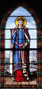 Darstellung von Adelheid von Burgund auf einem Glasgemälde der Kirche Saint-Denis de Toury (Eure-et-Loir), Atelier Lorin de Chartres, um 1890.