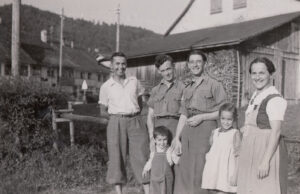 he family of Ursula Vetter from Turbenthal in a picture from summer 1944.