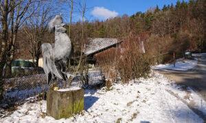 The rooster in Schöfflisdorf still commemorates Gustav Guhl.