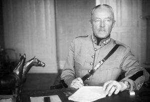 Désapprouvé par l'état-major du général: Guisan en train de fumer une cigarette sur des photos de presse.