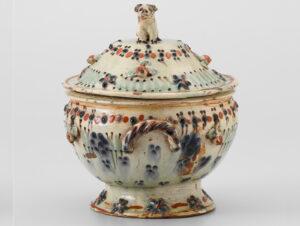 Soup tureen from Heimberg, around 1800.