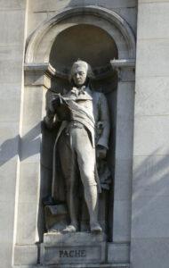 Statue von Jean-Nicolas Pache an der Fassade des Pariser Rathauses.