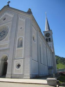 Vue extérieure de l'église St. Antonius à Rothenthurm.