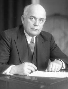 Léon Nicole in a 1933 photograph.