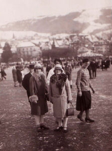 Everyday fashion in 1929, when Lake Zug was completely frozen over.