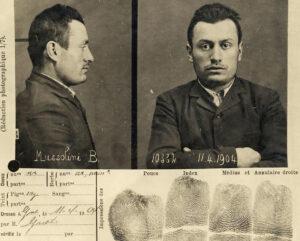 Genfer Polizeibild des 21-Jährigen Benito Mussolini, 1904.