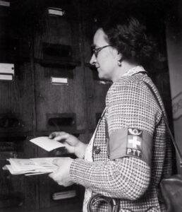 À la Poste suisse, toutes les femmes qui voulaient se marier ont été licenciées...