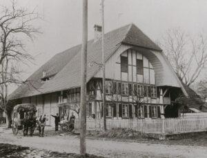 Au début du XXe siècle, il n'était pas rare que des fermes fassent aussi office de bureau de poste, comme ici, à Suberg.