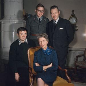 Hans Schaffner im Kreise seiner Familie.