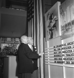 Philipp Etter and Leland B. Harrison, US Minister to Switzerland, at the opening of the 'USA baut' exhibition of American architecture at the Kunstgewerbemuseum in Zurich, September 1945. Keystone / Photopress-Archiv / Milou Steiner